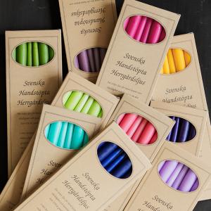 Svenska handstöpta stearinljus i attraktiva presentförpackningar